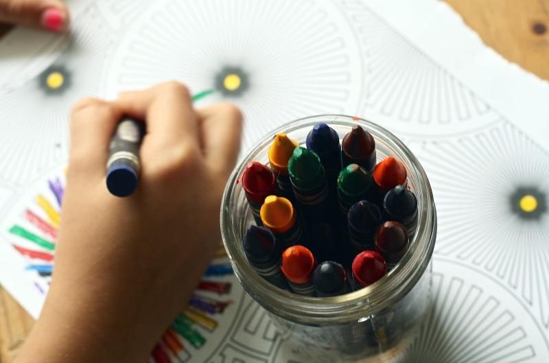 dessin enfants art thérapie bien etre soin des sens